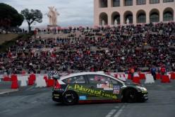 Il 2° Rally di RomaCapitale si ferma. La manifestazione motoristica è stata interrotta dall'organizzazione, in segno di lutto.
