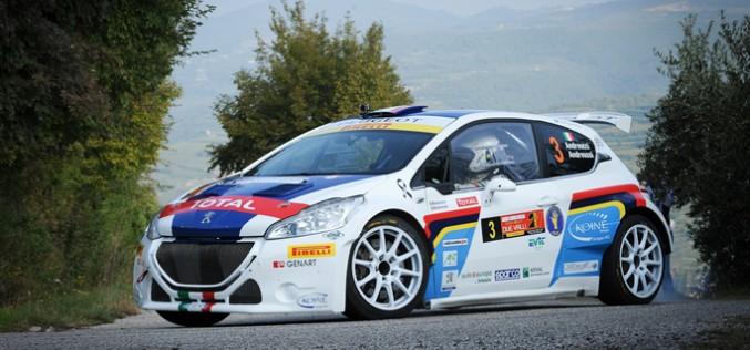 Peugeot 208 T16 e Paolo Andreucci al via del Rally di Roma Capitale