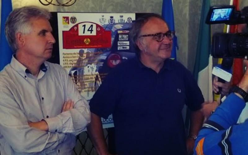 1° Rally Day Centro Sicilia. Il comitato organizzatore è pronto a dare il via alla gara che scatterà domattina alle ore 9.00 con 48 equipaggi. Stasera alle 21.00 presentazione degli equipaggi in Piazza Papa Giovanni XIII