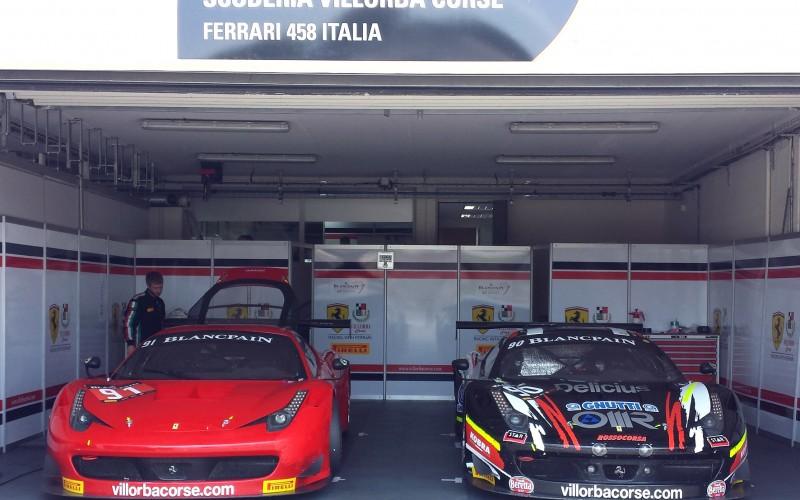 Villorba Corse al debutto nella 12 Ore del Golfo con la Ferrari 458 e la stella dello sci Didier Cuche