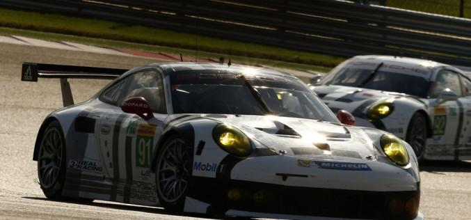 """Porsche, una marcia in più! Durante il gala Motorsport """"Night of Champions"""" a Weissach, Porsche si è assunta un preciso impegno per il settore racing ufficiale e privato."""