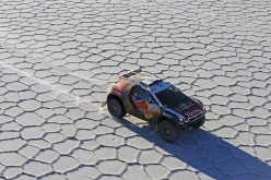 Peugeot 2008 DKR, appuntamento al 2016