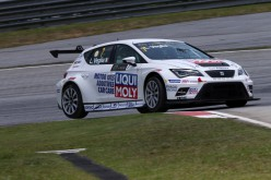 Lorenzo Veglia in gara a Shanghai per la Tcr International Series