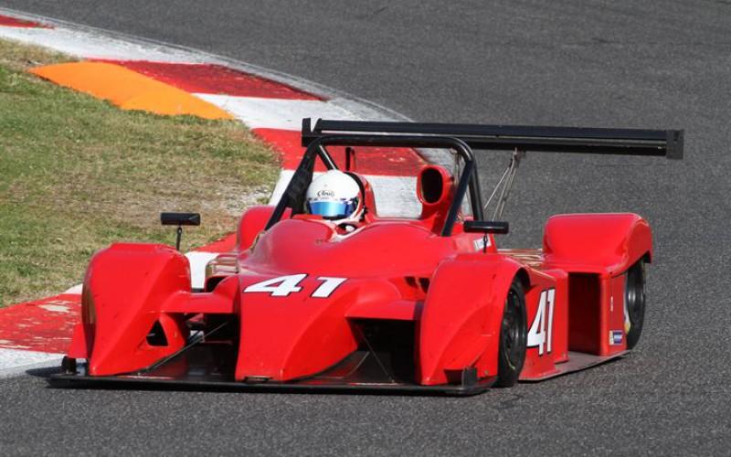 Claudio Francisci, su Lucchini Alfa Romeo 3.0 V6, vince gara 1 nel secondo round stagionale del Campionato Italiano Sport Prototipi