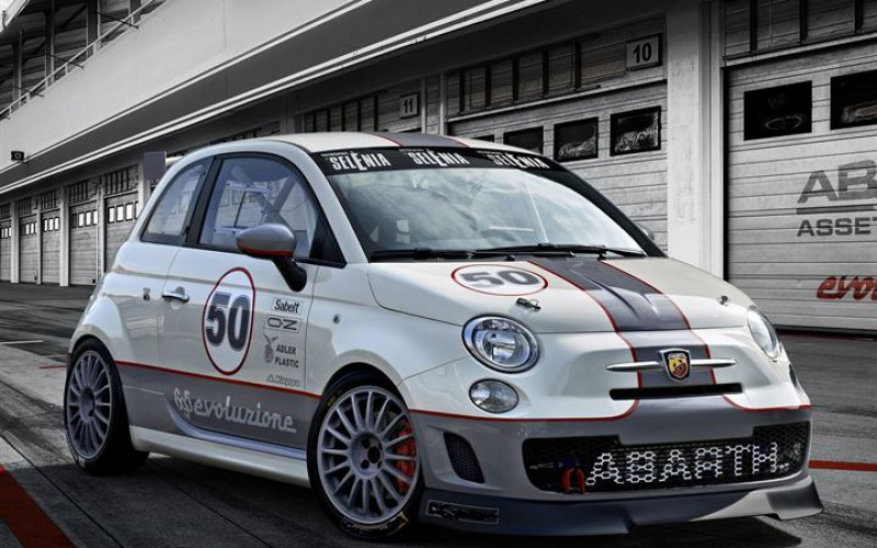 Abarth 695 Assetto Corse Endurance, strepitosa new entry ad Imola