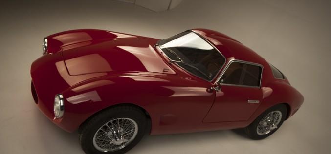 """La Effeffe Berlinetta, motorizzata Alfa Romeo, """"nuda"""" ha girato a Monza"""