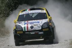 Luca Panzani torna alle gare dopo due mesi: debutto a Camaiore con la nuova Clio R3T