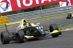Peccenini ok prima della pioggia a Spa nella F.Renault Nec