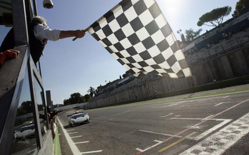 """Anche Lamborghini """"sdoppia"""" l'equipaggio in corsa per il titolo GT3"""