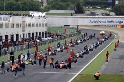 Sono 40 le monoposto e 22 i team finora iscritti all'Italian F.4 Championship 2016