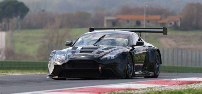 David Richards saluta il debutto dell'Aston Martin con i colori Solaris Motorsport nel Campionato Italiano Gran Turismo