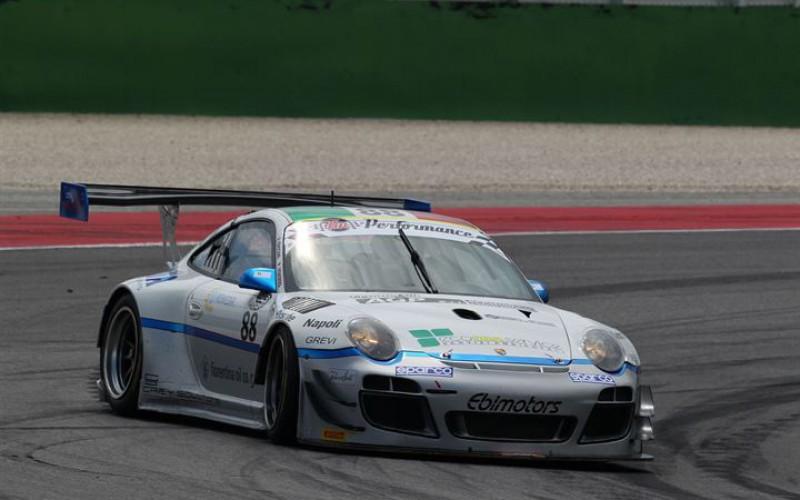 Venerosi-Baccani, sempre a punti e primo posto nella classe GT3