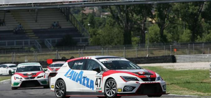Attacco a tre punte a Vallelunga per la BRC Racing Team nel Campionato Italiano Turismo