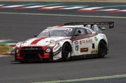 Sean Walkinshaw sale sulla Nissan GT-R NISMO del Drive Technology Italia