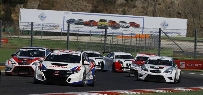 Grande spettacolo a Vallelunga per il settimo Aci Racing Weekend. Colciago è imprendibile nel tricolore Turismo. Uboldi e Margelli si spartiscono le vittorie nell'Italiano Sport Prototipi