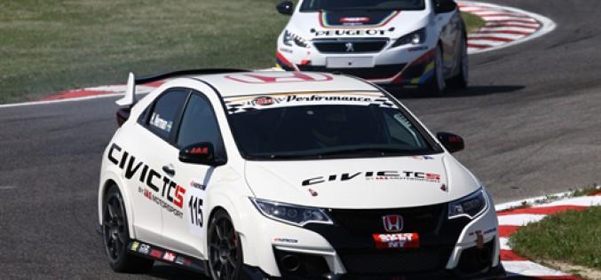 Due Honda Civic Type-R della MM Motorsport all'attacco del Campionato Italiano Turismo TCS