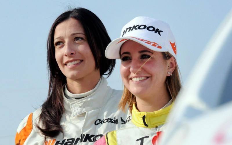 Monza Rally Show: all'asta le tute di Rachele Somaschini e Alessandra Benedetti