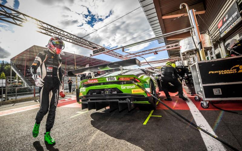 Lamborghini Squadra Corse riconferma i sei piloti ufficiali e annuncia i programmi sportivi 2018 dei Factory Drivers e dei GT3 Junior Drivers.